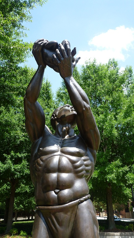 Mlk_centre_freedom_statue
